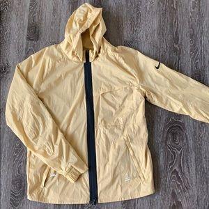 NWOT ✔️ Men's Nike Shield Jacket - Yellow